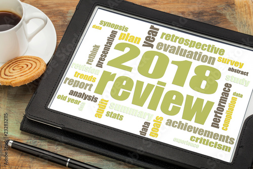 Fototapety, obrazy: 2018 annual  review word cloud on tablet