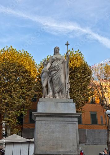 Fotografia  Памятник Марии-Луизе Испанской в Лукке