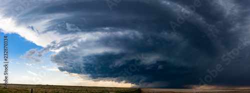 Fényképezés  Woodrow, CO / United States - May 25, 2016: Panorama of a supercell thunderstorm in the Great Plains that later produced a tornado