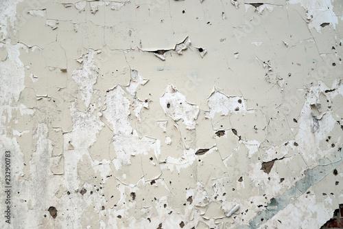 Fényképezés Crackled pealing white pain on wall