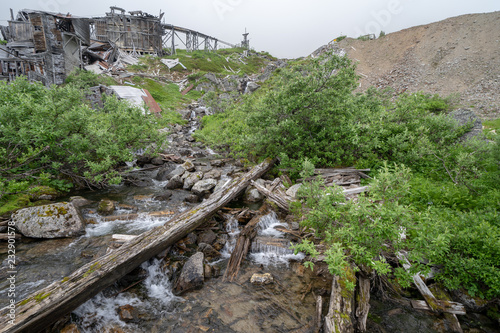 Valokuva  Creek and busted up old mine at Hatcher Pass - Independence Mine Alaska