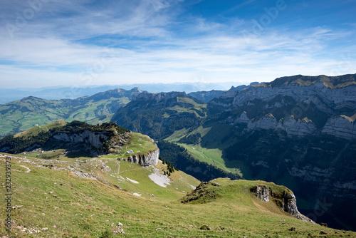 Staande foto Alpen Blick zur exponierten Alpchlus in den Appenzeller Alpen, Schweiz