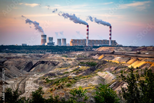 Poster Piscine Brown Coal Mine and Power Station in Belchatow