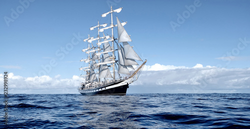 Staande foto Schip Sailing ship under white sails at the regatta