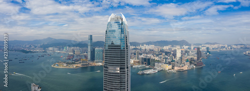 Fotografía Panoramic shot of Hong Kong business office tower