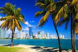 Fototapeta Krajobraz - Skyline view of Miami Florida