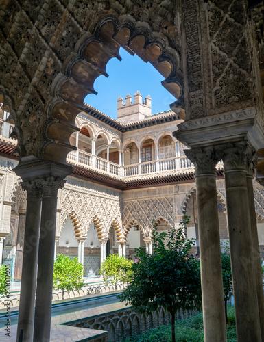 Fotografie, Obraz  Real Alcázar of Sevilla, Arch and Courtyard