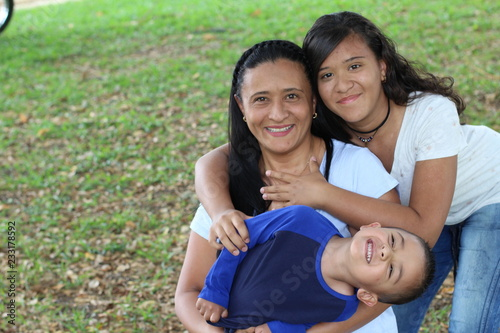 Fotomural Mother with son and daughter in the park
