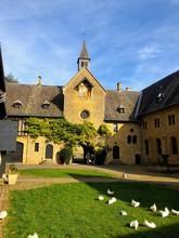 Abbazia Di Notre Dame Di Orval, Belgio