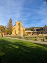 Vista Della Chiesa Dell'Abbazia Di Notre Dame Di Orval, Belgio