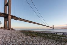 The Humber Suspension Bridge F...