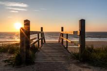 Strandaufgang Im Sonnenuntergang