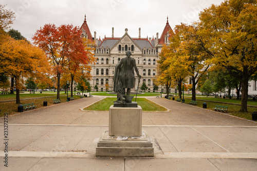 Obraz na plátne  State Capitol Building Statehouse Albany New York Lawn Landscaping