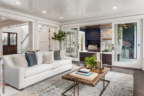 Fotografía  Beautiful living room in new luxury home