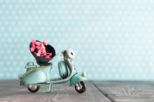 Tiny Vintage Toy Blue Mototrcy...