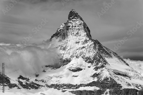 Photo Idyllic landscape of Mountain Matterhorn, Zermatt, Switzerland