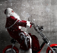 Santa Claus Ride A New Motorbi...