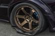 バーストしてパンクしたタイヤ Damaged tire to burst