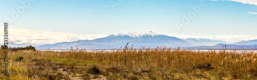 Photo  Le massif du Canigou depuis l'étang de Leucate