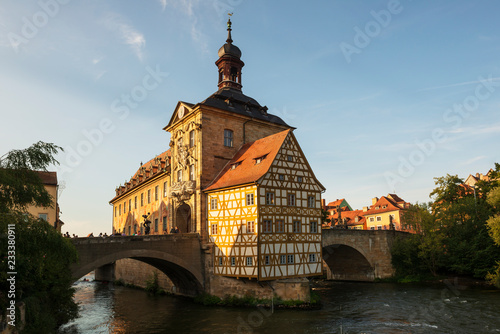 Germany, Bavaria, Upper Franconia, Bamberg, Old townhall, Obere Bruecke and Regnitz river