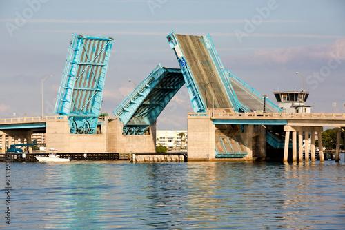 Photo Nice photo of the Pasadena Ave drawbridge over Boca Ciega Bay near St
