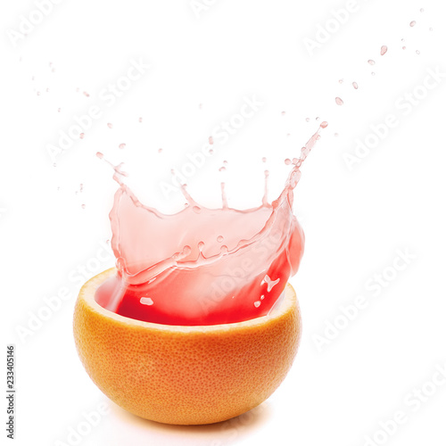 Crédence de cuisine en verre imprimé Eclaboussures d eau pink grapefruit juice splashing on white background