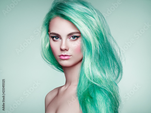 Beauty Fashion Model Girl with Colorful Dyed Hair Fototapete
