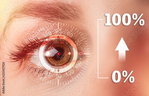 Fotografía  Technological concept, one hundred percent recovery of vision