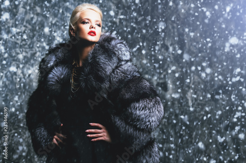 Fotografía  winter fashion for women