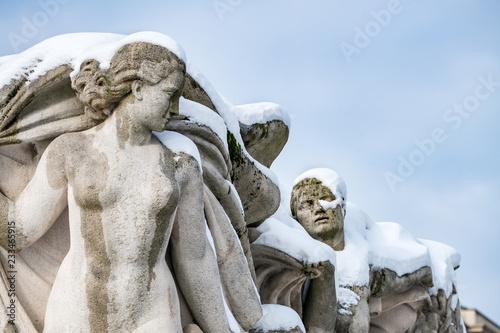 Fotobehang Historisch mon. Statue