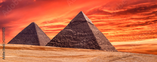 Fotografie, Obraz Panorama of the area with the great pyramids of Giza at amazing sunset, Egypt