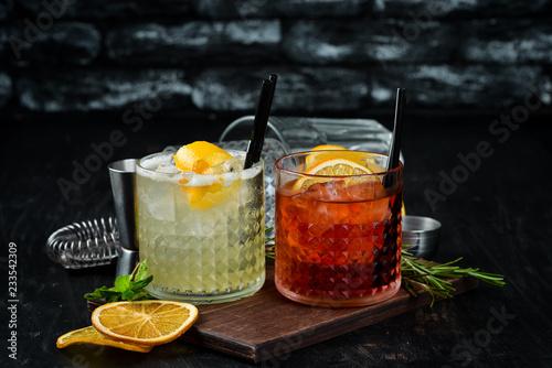 Fotografía  Tasty colored alcoholic cocktails
