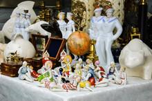 Figurines Of Ladies In Swimsui...