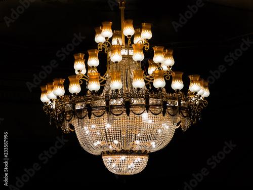 Cuadros en Lienzo chandelier on a black