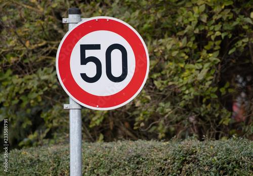 Fotografía  Verkehrsschild Tempolimit 50km/h