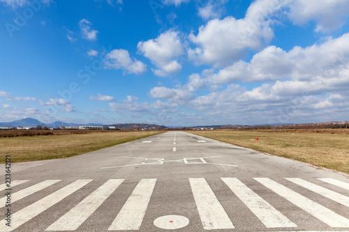 Foto op Aluminium Luchthaven air strip landscape