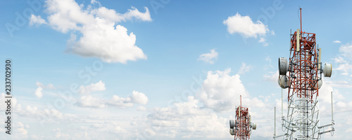 Fototapeta Signal tower on blue sky obraz