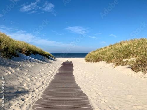 Nordseinsel Juist Steg zum Strand