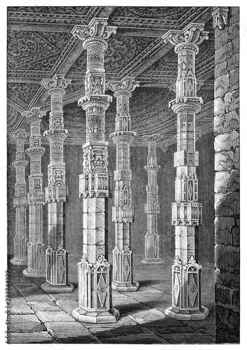 Fényképezés majestic high columns arabian decorated in a large stone room