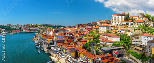 Obraz Porto, Portugal panoramic view of old town Oporto from Dom Luis bridge on the Douro Rive - fototapety do salonu