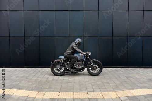Fotografía Vintage rebuilt motorcycle motorbike caferacer