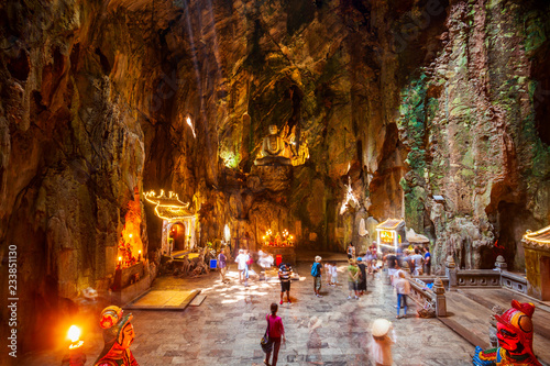 Staande foto Asia land Marble mountains cave in Danang