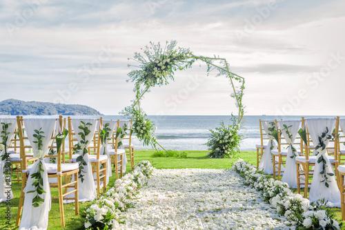 Romantic wedding ceremony on the beach in Phuket, Thailand. Fototapet
