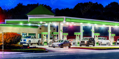 Fotografía  Generic Gas Station With Generic Cars and Trucks HDR