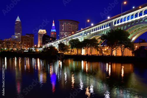 Downtown Cleveland Skyline on the Cuyahoga River Canvas-taulu