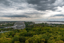 Montreal's Buckminster-Fulleri...