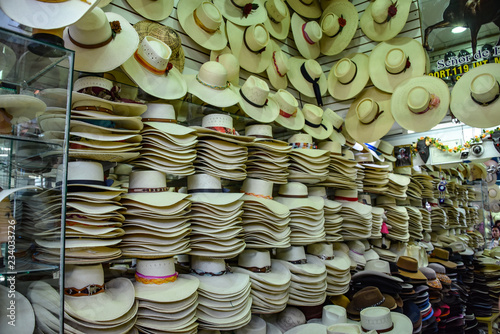 Fotografia  Arequipa, Peru - October 7, 2018 - Traditional Arequipenan hats for sale at a st