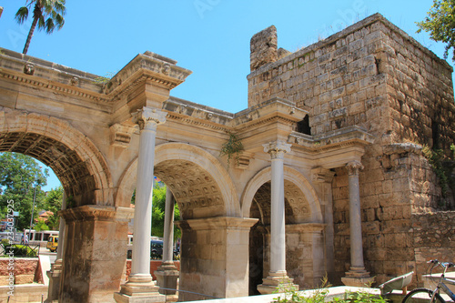 Photo  Ancient gate of Roman emperor Adrian in Antalya, Turkey