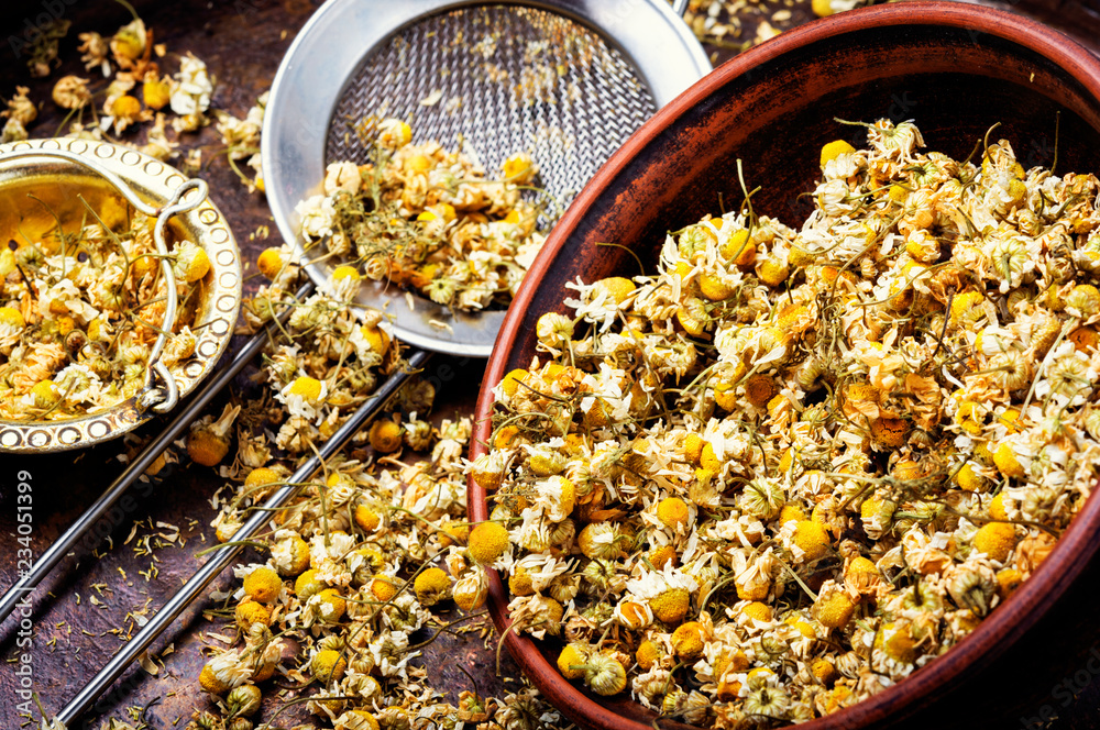 Fototapety, obrazy: Dried chamomile buttons