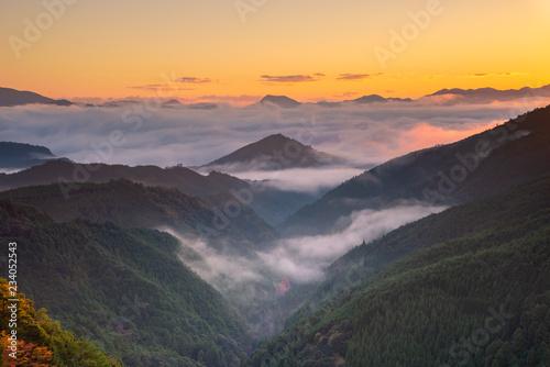 Fototapeta 早朝の三越峠からの眺め obraz na płótnie